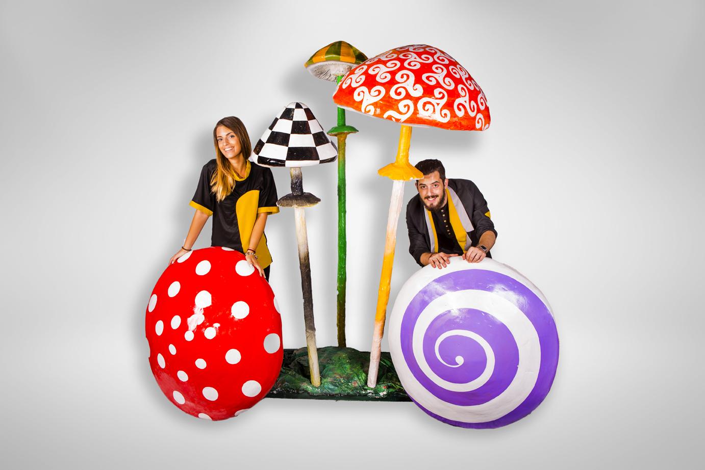 Ciuperci, inchiriere decor petrecere tematica Alice in Tara Minunilor