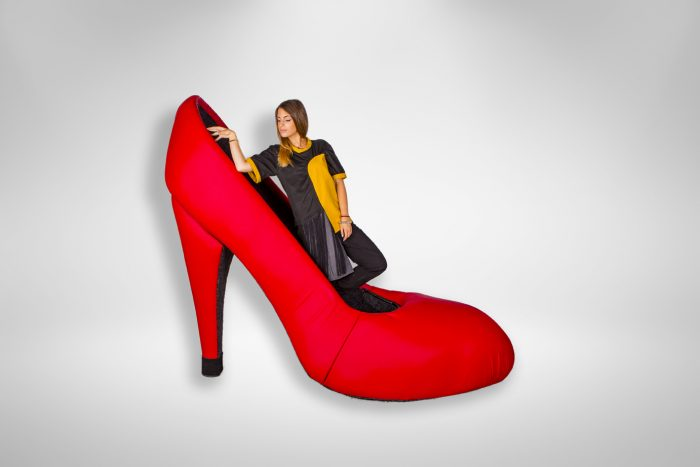 Inchiriere decor Petrecere tematica, pantof gigant, photo corner