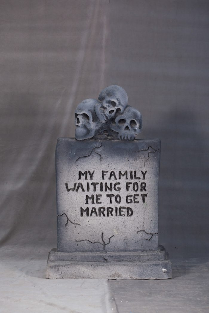 piatra mortuara, inchiriere decoruri, petrecere tematica, halloween, photo