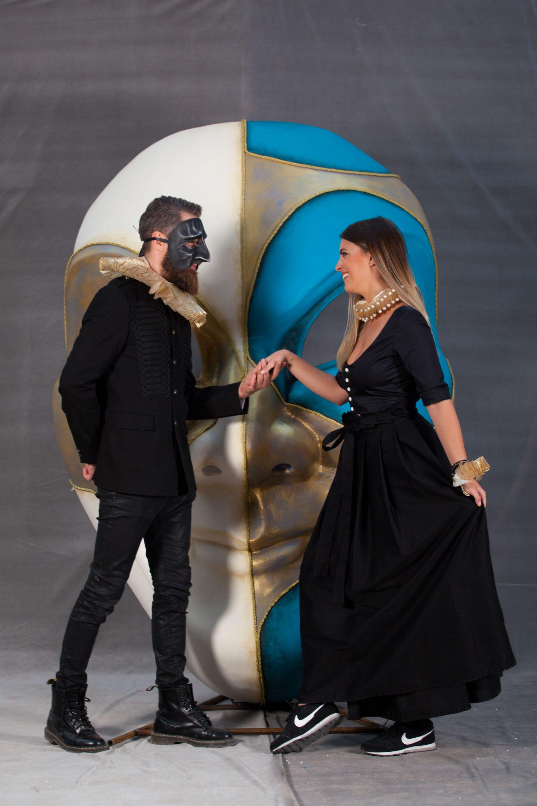 inchiriere decor masca venetiana