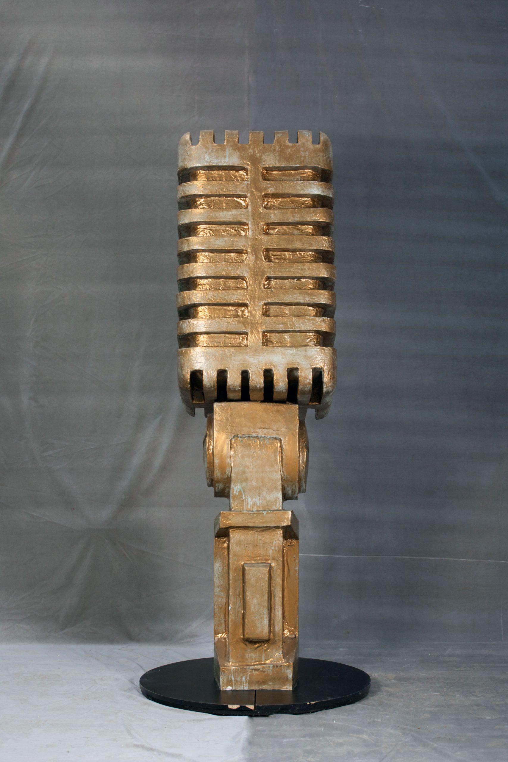 inchiriere decor microfon retro