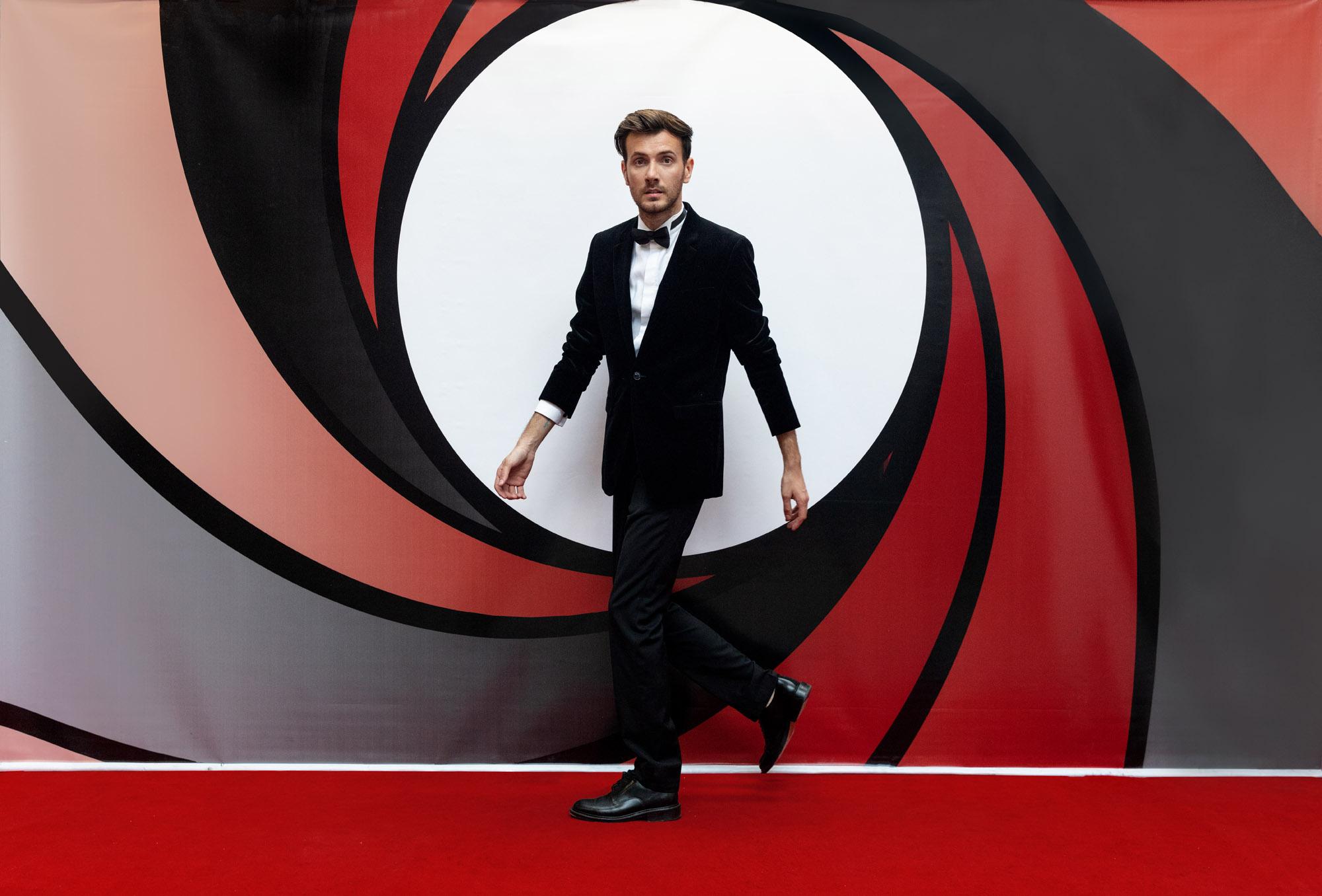 Fundal James Bond, inchiriere decor petrecere tematica