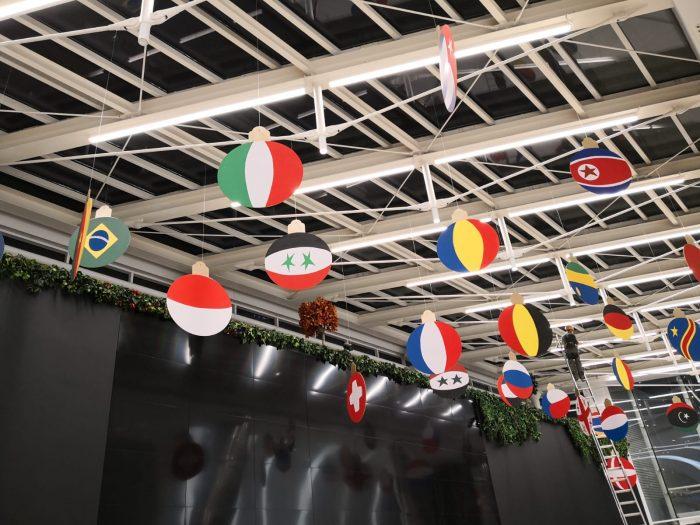 Globuri Steaguri, inchiriere decor petrecere tematica Craciun
