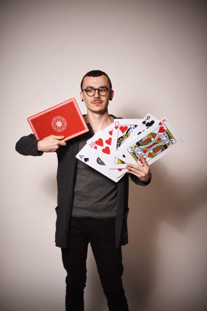 Carti de joc supradimensionate, inchiriere decoruri photo corner