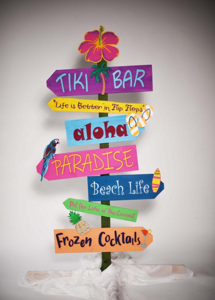 Stalp Directional Tiki, inchiriere decor petrecere tematica, photo corner
