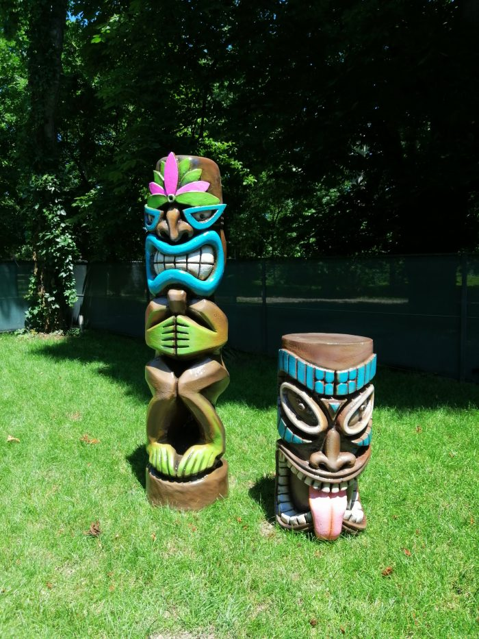 Inchiriere decor petrecere tematica hawaii Totem Tiki