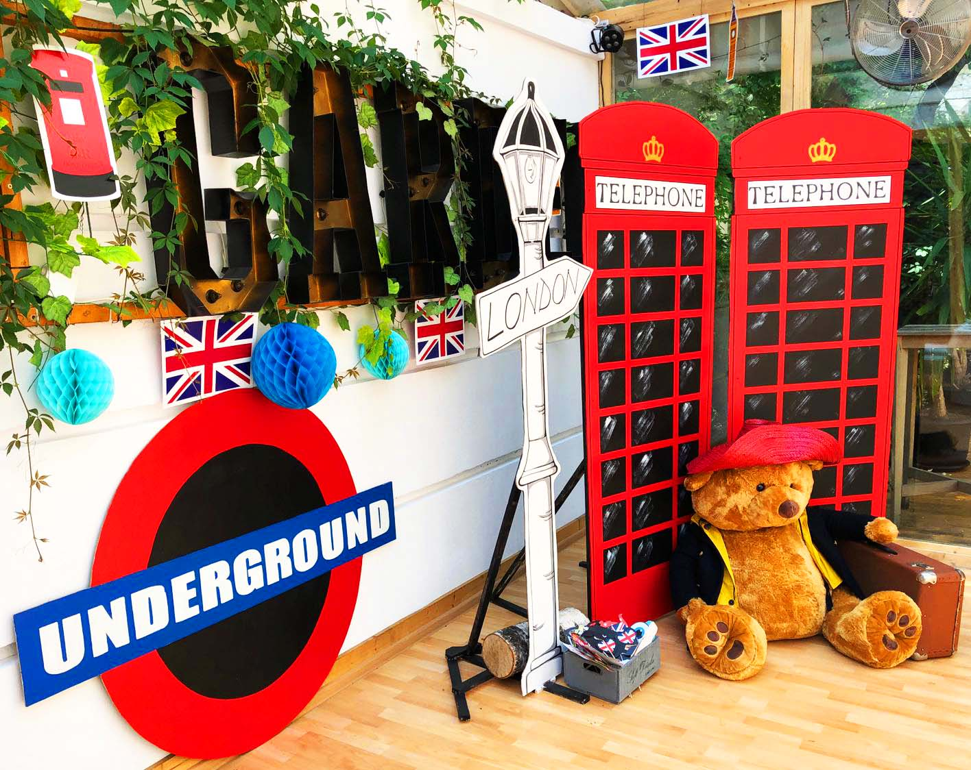 Panouri Londra , inchiriere decoruri.